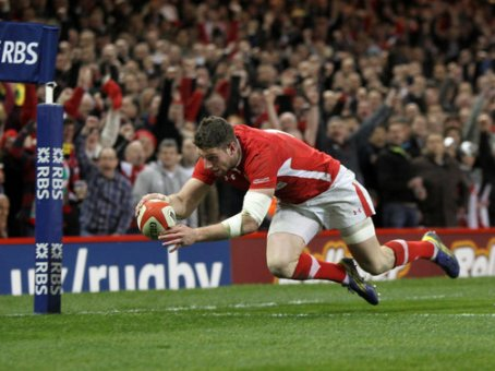 Just try and stop him | Wales winger Alex Cuthbert scores of one two tries to rapturous applause at the Millennium Stadium. (Image | Sporting Life)