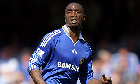 Innovator | Chelsea midfielder Claude Makelele inspired almost a position of his own and a timeless football cliche. (Image | The Guardian)